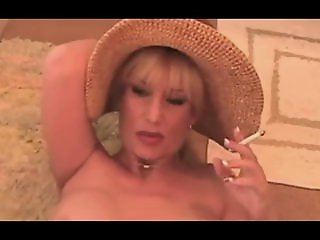 Hot Dirty Talking Cougar..